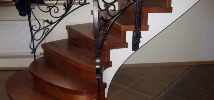 Лестницы из дерева термически модифицированного.